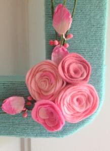 J Wreath felt roses